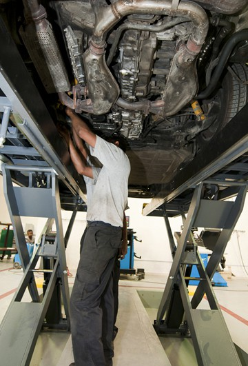ARMotors Aston Martin Service
